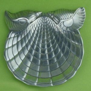 ARTHUR COURT Designs Clam Mollusk Shell  Owl Plate